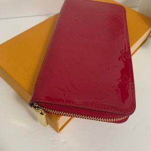 Louis Vuitton Bags - Louis Vuitton Vernis Zippy wallet
